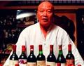 收藏家冯卫东:名片就是一瓶葡萄酒