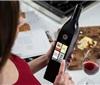 美国推出WiFi触屏智能葡萄酒瓶