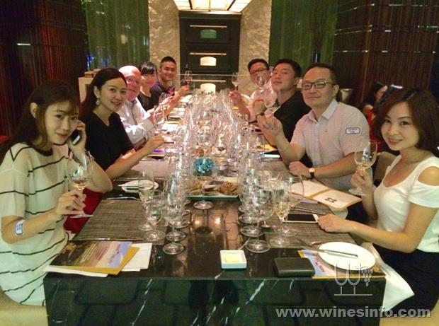 E:\新闻图片\output\TNV2016Shanghai-Dinner01.jpg