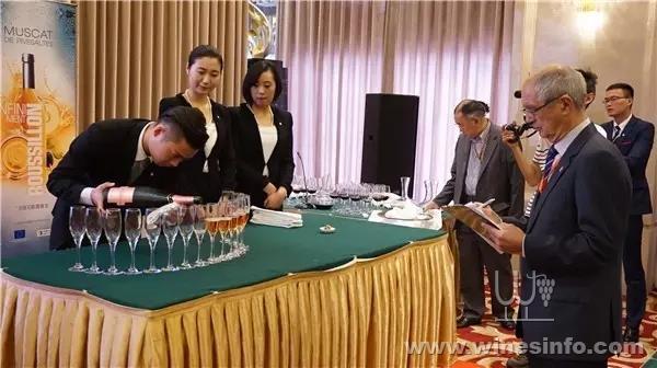 侍酒师团队大赛决赛现场1.jpg