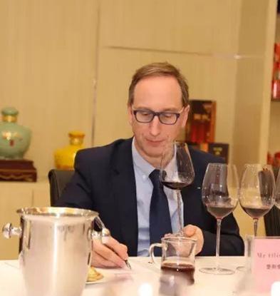 秦皇岛重视葡萄酒产业 聘请法国专家为顾问
