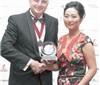 华人女性勇闯新西兰酿酒业 国际新奖项以其名字设立
