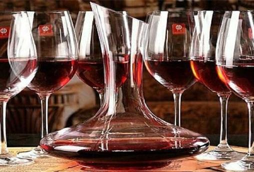 共享葡萄酒与美食课