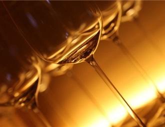 喝酒不只壮胆 还可以提升外语交流能力
