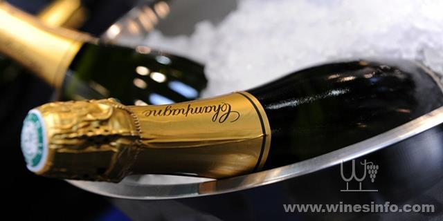 Ventes-de-champagne-2-8-milliards-d-euros-de-chiffre-d-affaires-a-l-export.jpg