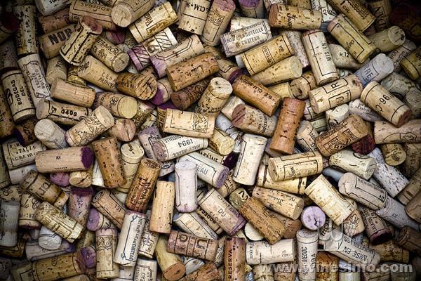 fine-wine-corks-frank-tschakert.jpg