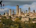 意大利San Gimignano的葡萄酒与古塔高楼