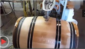 酿制葡萄酒的过程中需要加入冰块,有什么作用?
