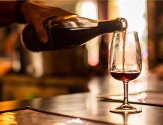 美国叫停一项了解饮酒健康效应的研究
