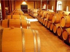 葡萄酒行业深度调整:进口国产葡萄酒量额双降