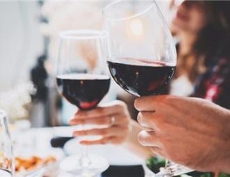 中国一半中产阶级每年至少喝两次进口葡萄酒