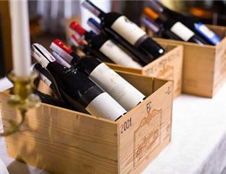 訪港旅行團大跌90%,葡萄酒商、旅行社艱難求存