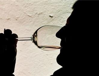 俄罗斯科学家学会在一分钟内辨别假葡萄酒