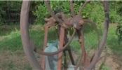 看高人如何修复1900年生产的葡萄酒泵