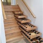 樓梯臺階下的酒窖