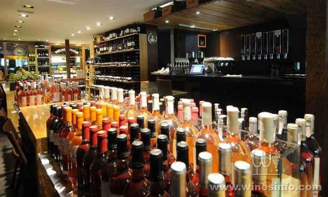efeito-do-aumento-do-dolar-no-preco-dos-vinhos-importados.jpg