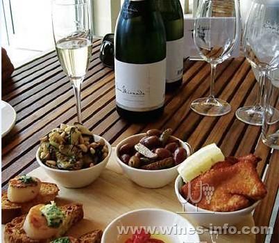 品味维多利亚美酒美食:中国葡萄酒资讯网华景房价柘城美食城图片