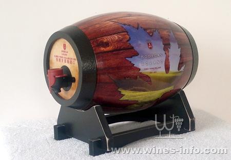 趣味木艺艺术酒桶:中国葡萄酒资讯网