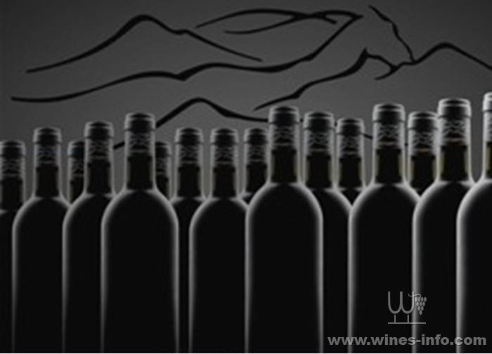 社会上一直流传着关于红酒酒瓶底部凹槽的传言,一种说法是凹槽越深就