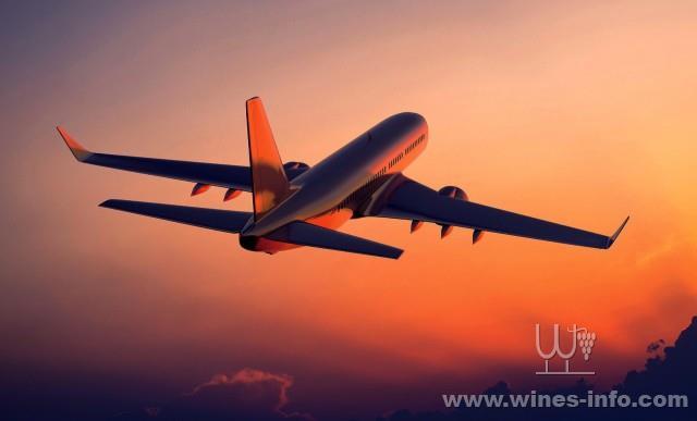 美国航空升级头等舱葡萄酒