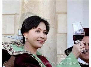 【醉蒲桃】晚上女人喝红酒好吗?关于女人喝红酒的时间问题!
