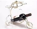 如果你是红酒爱好者,一定少不了这样一款创意酒架