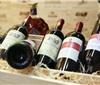 网友质疑:抖音里牛肉哥在网上买99元6瓶红酒是真是假?