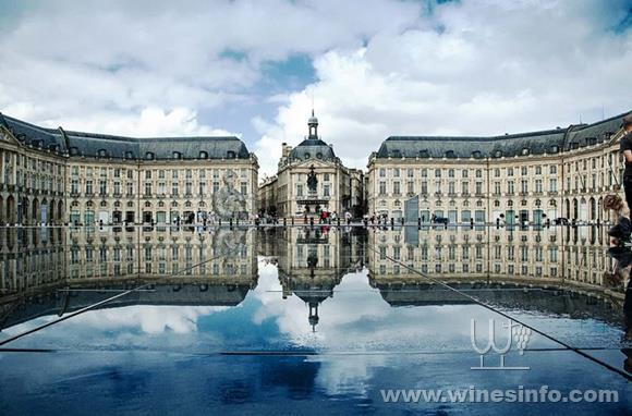 bordeaux-bourse-wikipedia-min-1220x806.jpg